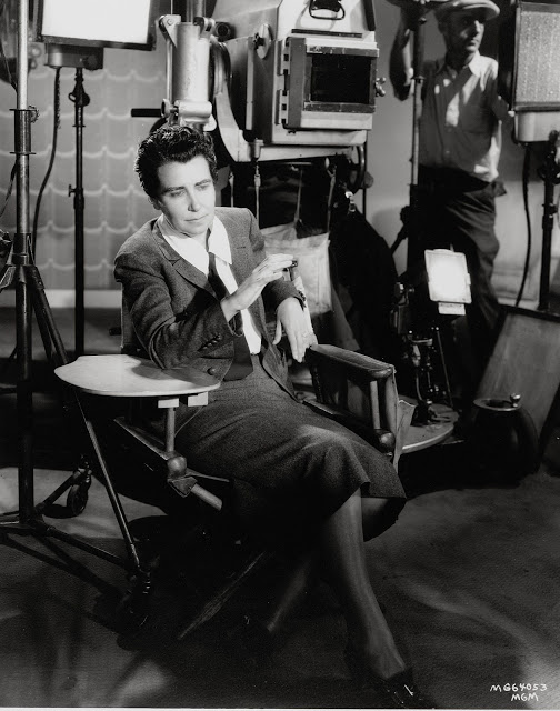 1dorothy-arzner-on-set.jpg