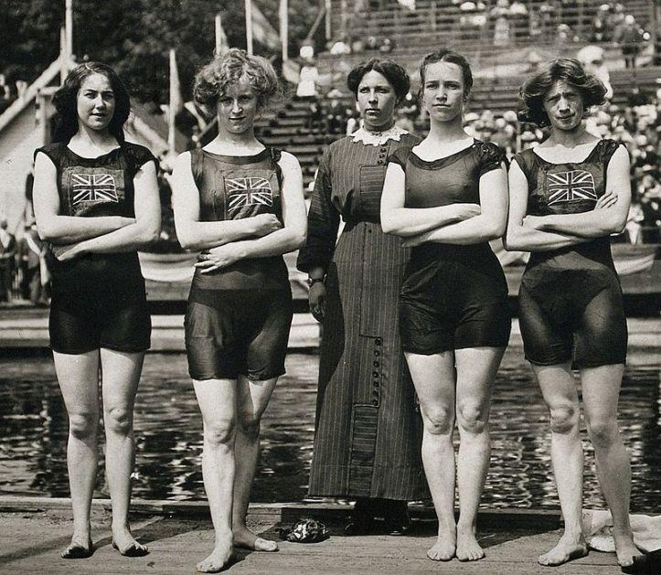 Belle_Moore,_Jennie_Fletcher,_Annie_Speirs,_Irene_Steer_1912.jpg