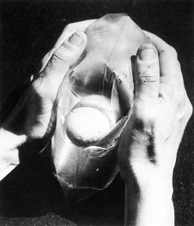 Lygia-Clark-Stone-and-air-1966.jpg